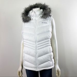 Women's White Omi-Heat Columbia Vest Faux Fur XL